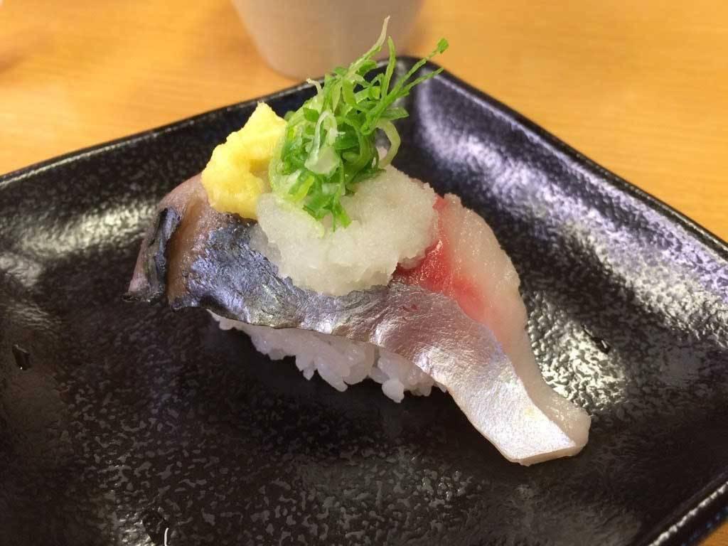 回転寿司で食べた生サバのお寿司